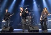 """Die Gewinnerband """"De Winnewupps"""", eine Plattdeutsch-Hardrock-Metalband, des plattdeutschen Bandcontests Plattsounds 2017. Hier beim Auftritt in der CD-Kaserne in Celle. Die Aufnahmen dürfen im Rahmen der Berichterstattung von Plattsounds 2017 honorarfrei verwendet werden. Foto: ©LEN"""