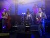 Die Band 777 performt ihren Song